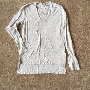 ZARA Knit v-neck knit with sleeve and hip detail